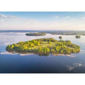 Остров Замок на озере Мядель